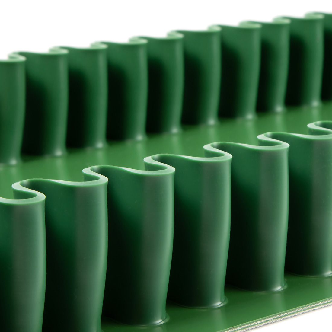 schmale Welllkante aus PVC